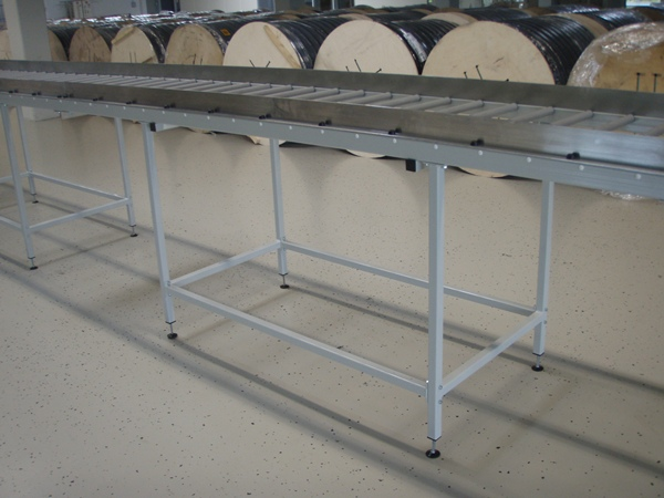 Double Roller conveyor with sides with aluminum